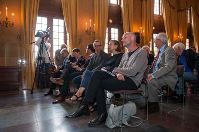Op de eerste rij de juryleden Caspar Berger, Charlotte van Lingen en Hans den Hartog Jager, foto Medea Huisman