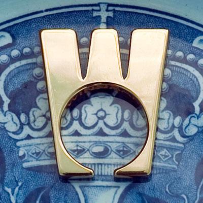 De ring in de vorm van een kroon, ook met de W van Wilhelmina en Winnaar, foto Jan van den Heuvel